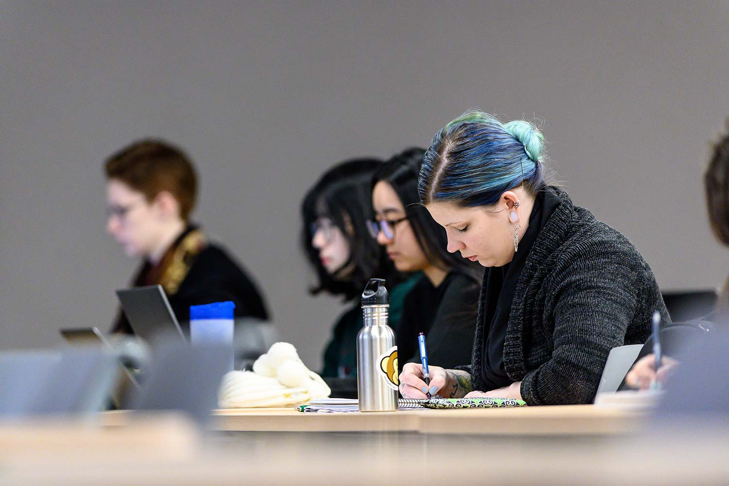 centre-for-migration-studies-students-studying